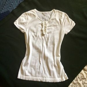 Cute off White Gap shirt 👚